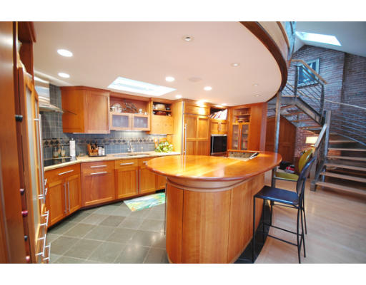 343 Commercial St, #602