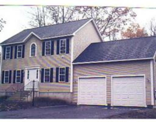 Casa Unifamiliar por un Venta en 2 Pinehill Road Orange, Massachusetts 01364 Estados Unidos