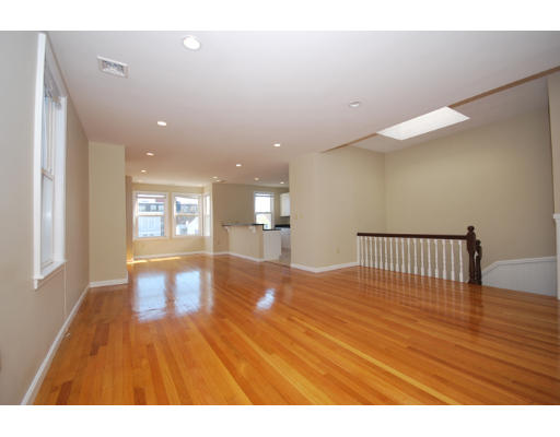 Additional photo for property listing at 28 monument street 28 monument street Boston, Massachusetts 02129 United States