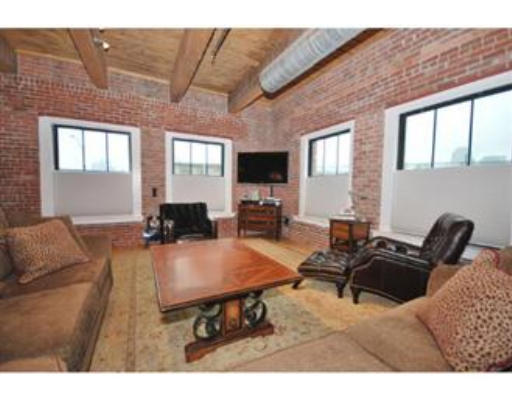 Townhome / Condominium for Rent at 9 West Broadway 9 West Broadway Boston, Massachusetts 02127 United States