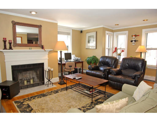 Townhome / Condominium for Rent at 7 Church Court 7 Church Court Boston, Massachusetts 02129 United States