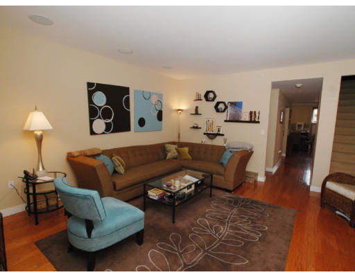 Additional photo for property listing at 17 Savoy 17 Savoy Boston, Массачусетс 02118 Соединенные Штаты