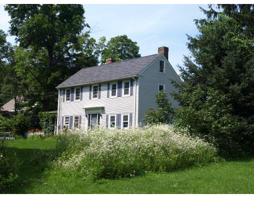 Single Family Home for Sale at 25 East Street Topsfield, Massachusetts 01983 United States