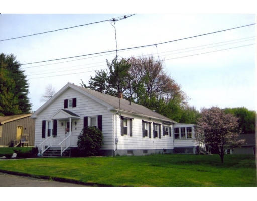 Single Family Home for Sale at 31 Laclede Avenue 31 Laclede Avenue Chicopee, Massachusetts 01020 United States