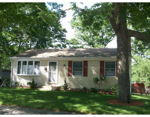 Single Family Home for Sale at 167 Princeton Avenue 167 Princeton Avenue Coventry, Rhode Island 02816 United States