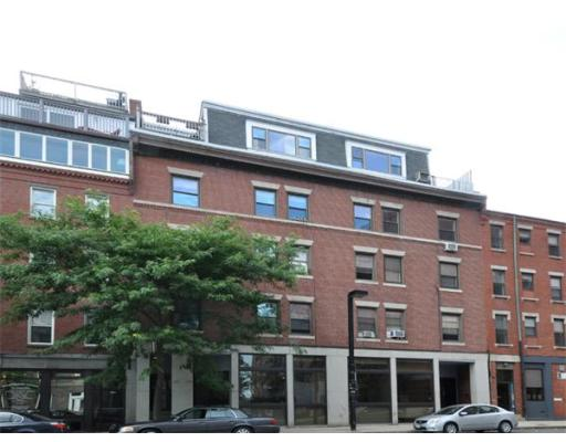 Townhome / Condominium للـ Rent في 365 North Street 365 North Street Boston, Massachusetts 02109 United States