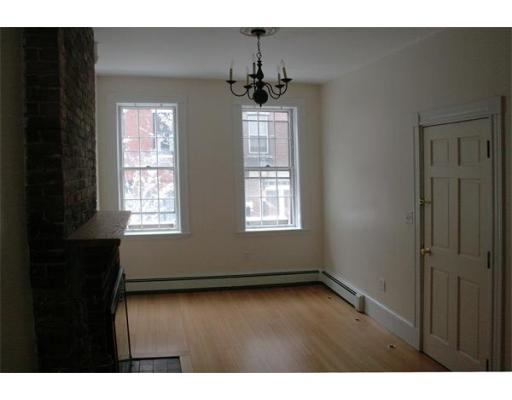 Additional photo for property listing at 95 West Cedar 95 West Cedar Boston, Massachusetts 02114 United States