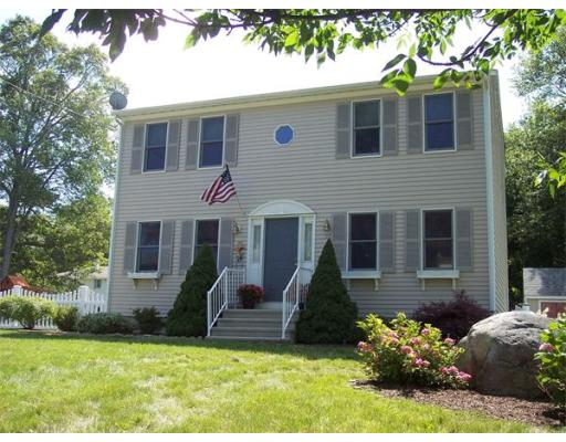 Single Family Home for Sale at 37 Basswood 37 Basswood Bristol, Rhode Island 02809 United States