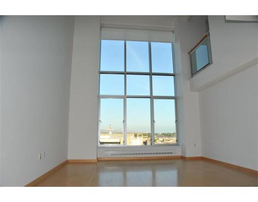 Additional photo for property listing at 25 Channel Center St #811 25 Channel Center St #811 Boston, Massachusetts 02110 États-Unis