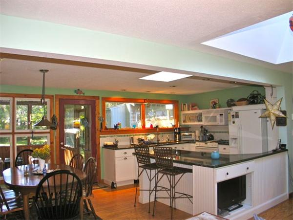Photo #2 of Listing 100 Franklin Terrace, VH411