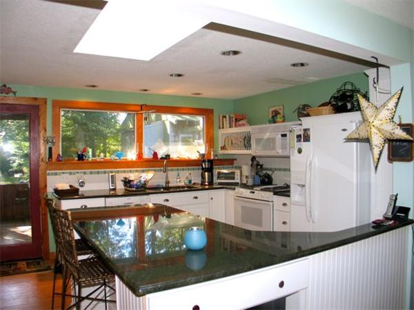 Photo #6 of Listing 100 Franklin Terrace, VH411