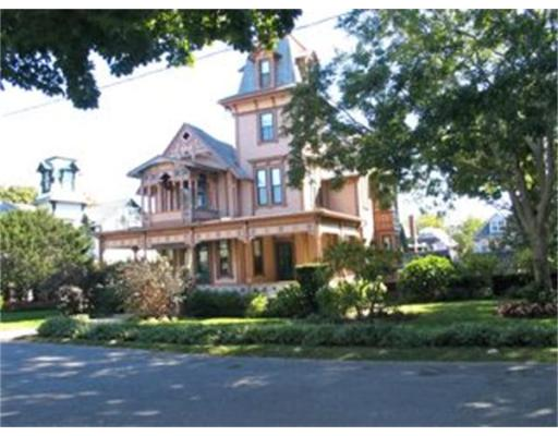 Casa Unifamiliar por un Alquiler en 26 Pequot Ave, OB503 Oak Bluffs, Massachusetts 02557 Estados Unidos