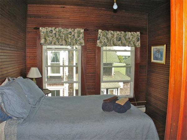 Photo #11 of Listing 24 Narragansett Ave, OB511