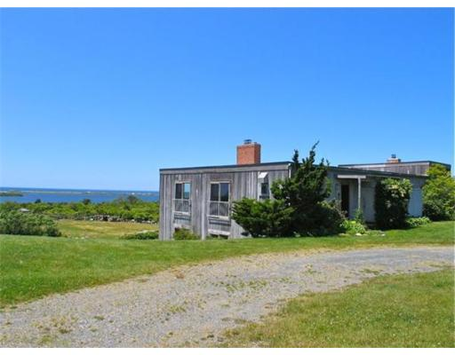 Single Family Home for Rent at 19 Lake Rd, CH220 19 Lake Rd, CH220 Chilmark, Massachusetts 02535 United States