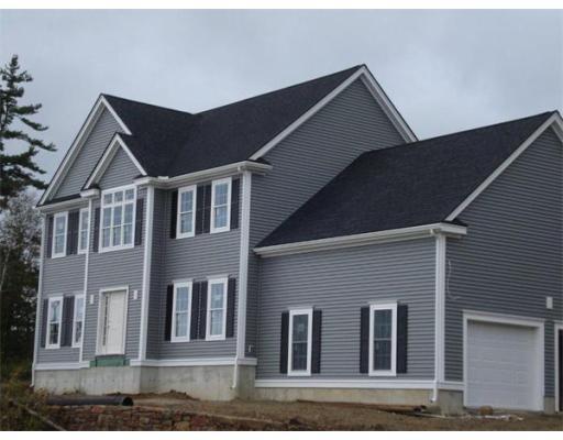 Maison unifamiliale pour l Vente à 11 High Point Drive 11 High Point Drive Grafton, Massachusetts 01536 États-Unis