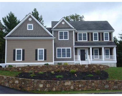 Maison unifamiliale pour l Vente à 38 High Point Drive 38 High Point Drive Grafton, Massachusetts 01536 États-Unis
