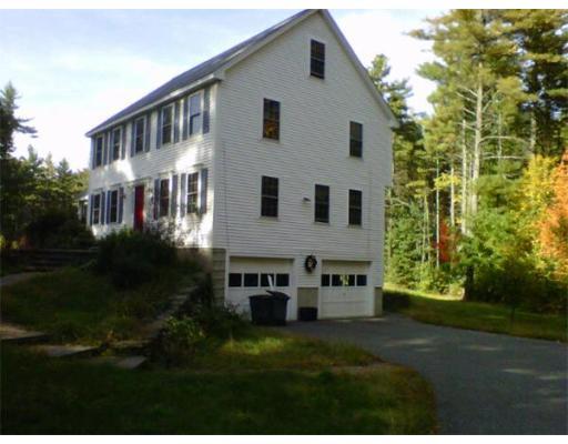 Casa Unifamiliar por un Venta en 72 Emery Road 72 Emery Road Townsend, Massachusetts 01469 Estados Unidos
