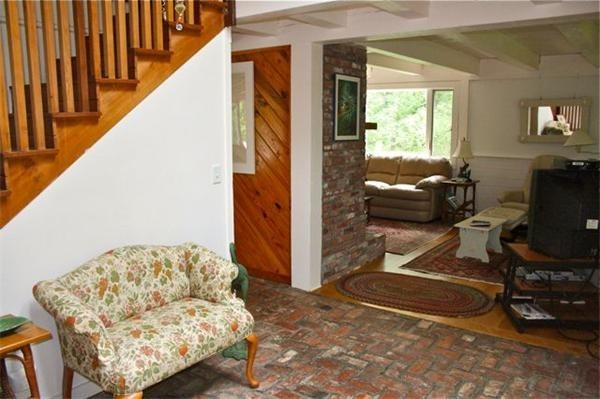 Photo #3 of Listing 10 Homestead Way, CH230