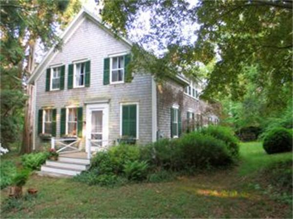 Photo of home for sale at 36 Middle Rd Ch229, Chilmark MA