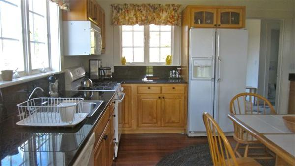 Photo #3 of Listing 8 Tanglevine Rd, CH207