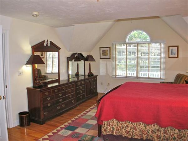 Photo #10 of Listing 187 Cove Rd, VH419