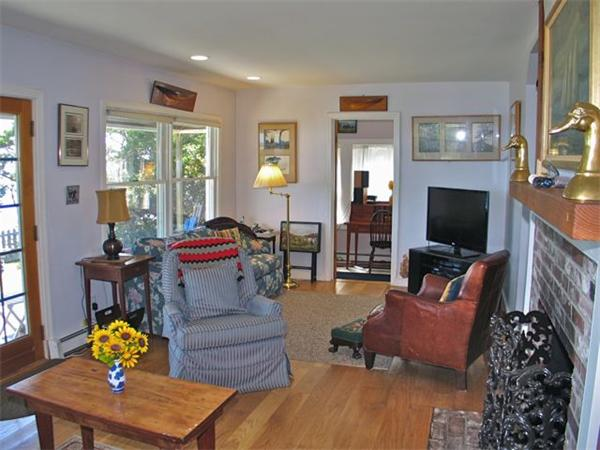 Photo #8 of Listing 348 Seaview Ave, OB527