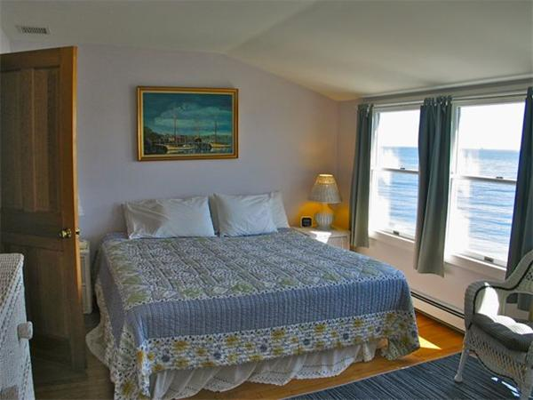 Photo #11 of Listing 348 Seaview Ave, OB527