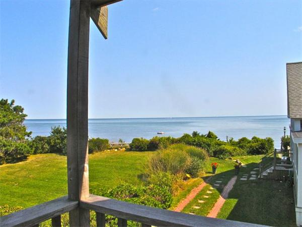 Photo of home for sale at 348 Seaview Ave, Ob529, Oak Bluffs MA