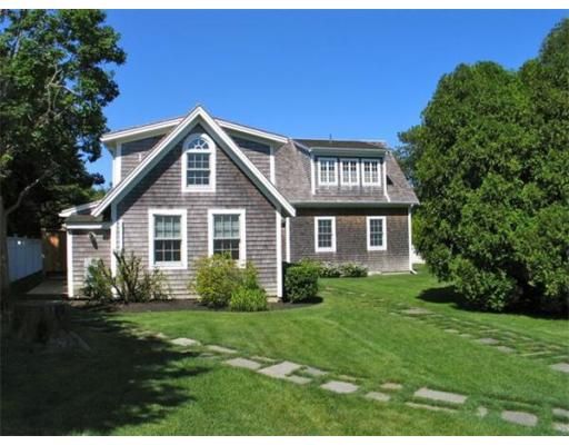 Casa Unifamiliar por un Alquiler en 23 Pierce Lane, ED348 23 Pierce Lane, ED348 Edgartown, Massachusetts 02539 Estados Unidos