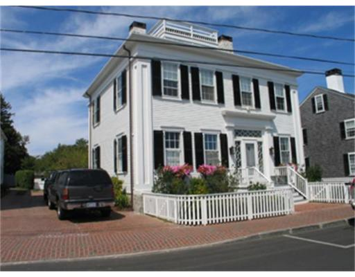 Casa Unifamiliar por un Alquiler en 88 No. Water St, ED332 Edgartown, Massachusetts 02539 Estados Unidos