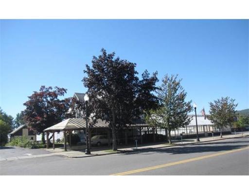 商用 为 销售 在 33 Main Street 33 Main Street Greenfield, 马萨诸塞州 01301 美国