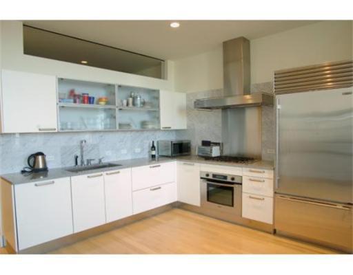 Townhome / Condominium للـ Rent في 360 Newbury 360 Newbury Boston, Massachusetts 02115 United States