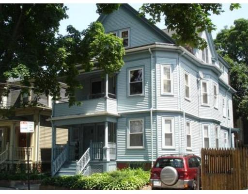 Additional photo for property listing at 16 Walden Street  Cambridge, Massachusetts 02140 Estados Unidos