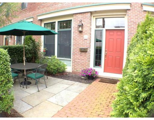 Additional photo for property listing at 19 Cousins Street 19 Cousins Street Salem, Massachusetts 01970 United States
