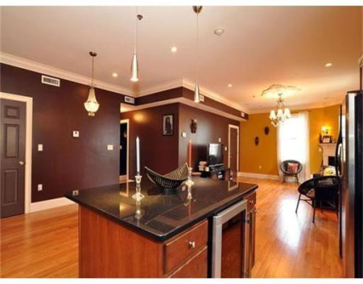 Additional photo for property listing at 95 Dix Street 95 Dix Street Boston, Massachusetts 02122 États-Unis