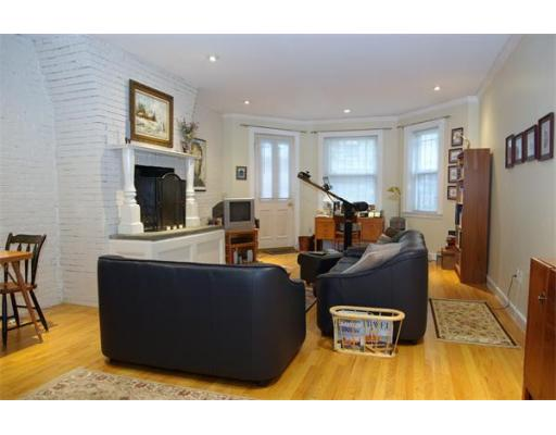 Townhome / Condominium للـ Rent في 396 Marlborough Street 396 Marlborough Street Boston, Massachusetts 02115 United States