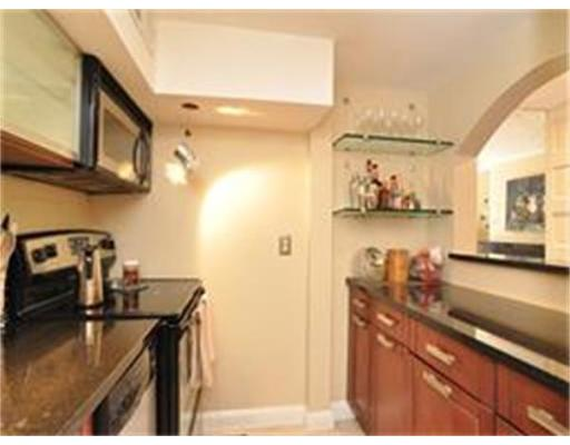 Additional photo for property listing at 124 Beacon Street 124 Beacon Street Boston, Massachusetts 02116 États-Unis