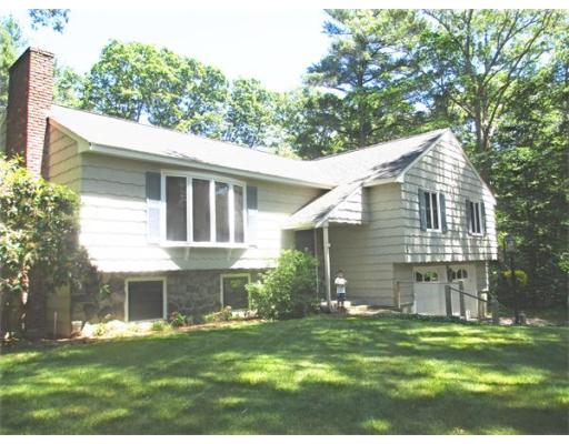 Single Family Home for Sale at 8 Berrywood Lane Hamilton, Massachusetts 01982 United States