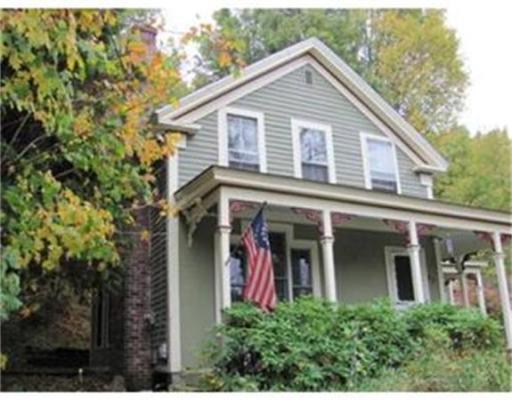 Casa Unifamiliar por un Venta en 93 Main Street 93 Main Street Wales, Massachusetts 01081 Estados Unidos