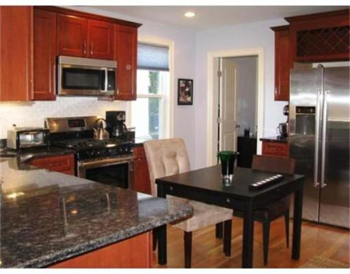 Additional photo for property listing at 2 Walk Hill 2 Walk Hill Boston, Massachusetts 02130 États-Unis