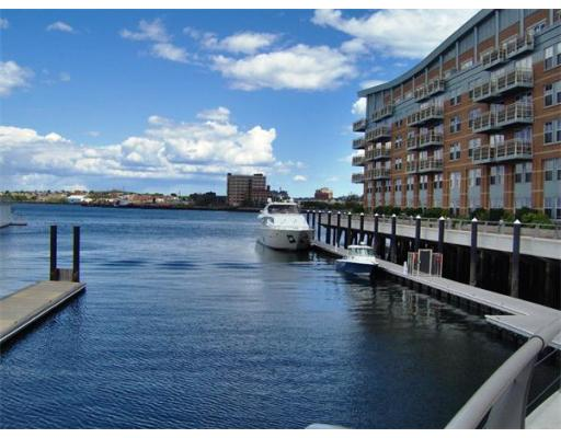 Townhome / Condominium للـ Rent في 4 Battery Wharf 4 Battery Wharf Boston, Massachusetts 02109 United States