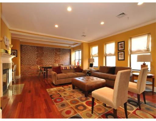 Townhome / Condominium for Rent at 440 Commercial Street 440 Commercial Street Boston, Massachusetts 02109 United States