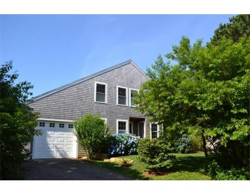 25  Lagoon Rd,  Oak Bluffs, MA