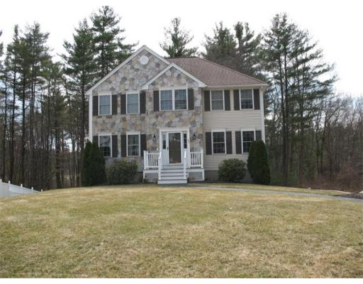 11  Fieldstone Cir,  Tewksbury, MA