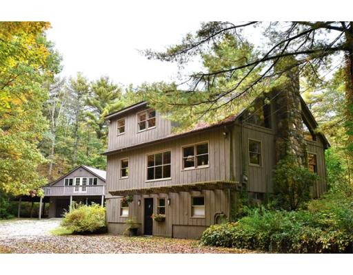 Casa Unifamiliar por un Venta en 119 Hurlburt Road Great Barrington, Massachusetts 01230 Estados Unidos