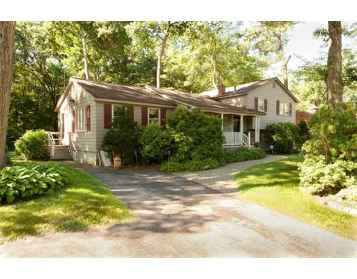 27  Glad Valley Dr,  Billerica, MA