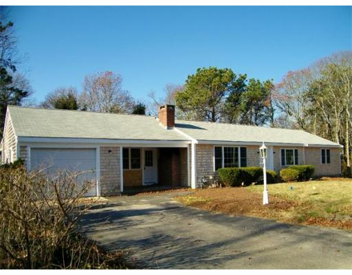 111  Long Pond Dr,  Yarmouth, MA