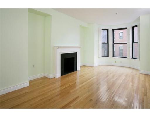 Boston MA Open Houses | Open Homes | CPC Open Houses, Beautiful and spacious 2-bedroom/2-bathroom home on the 3rd floor of an elegant
