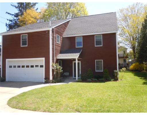 $299,900 - 2Br/3Ba -  for Sale in Amesbury