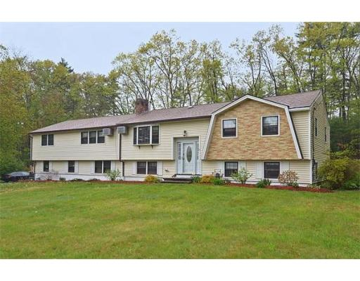 10  Robert Rd,  Tyngsborough, MA